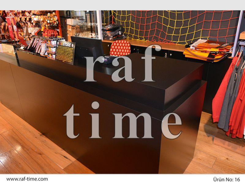 Galatasaray Store Store Shelves